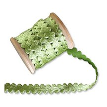 Velveteen Ric Rac Ribbon Trim in Leaf Green