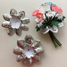 "Petite Paper Lace Flower Bouquet Holders in Silver ~ Set of 25 ~ 3-1/8"" across"