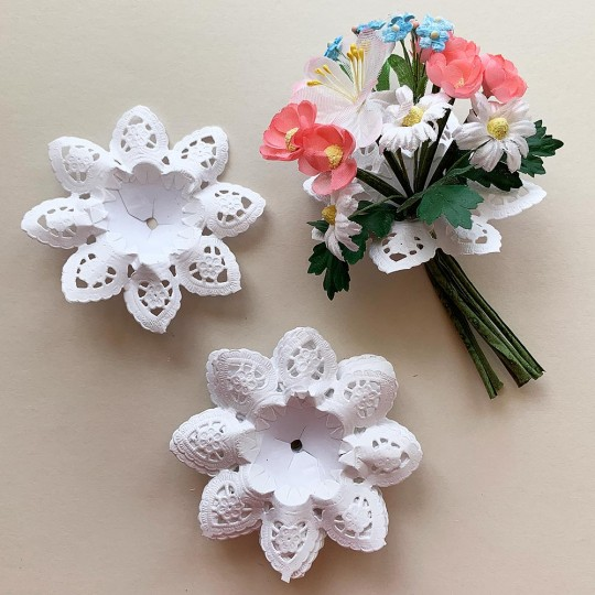 "Petite Paper Lace Flower Bouquet Holders in White ~ Set of 25 ~ 3-1/8"" across"