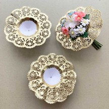 "Medium Paper Lace Flower Bouquet Holders in Gold ~ Set of 25 ~ 5-1/8"" across"