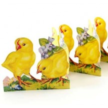 """Petite Chicks with Violets Folding Paper Frieze from Sweden ~ 2-1/2"""" tall"""
