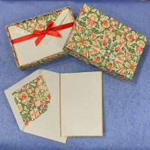 Italian Stationery Folded Card Set ~ 10 Cards + 10 envelopes ~ Rossi Tiled Florentine with Gold Highlights