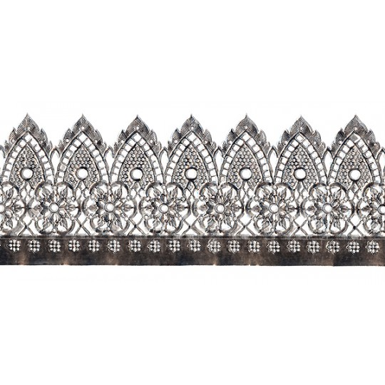 """Extra Wide Silver Dresden Pennant and Flower Trim ~ 3-1/4"""" wide"""