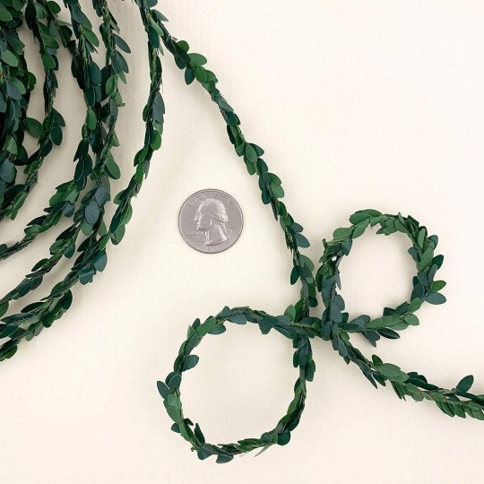 "Leafy Green Boxwood Wired Garland for Crafts and Decoration ~ 3/8"" wide x 3 yards long"