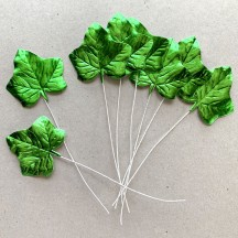 Set of 8 Green Foil Ivy Leaves ~ Czech Repub.