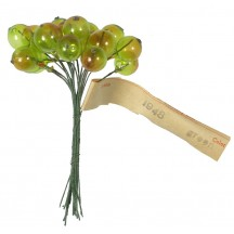 """Bundle of 18 Vintage Glass Currant Berries in Green Ombre ~ 3/8"""""""