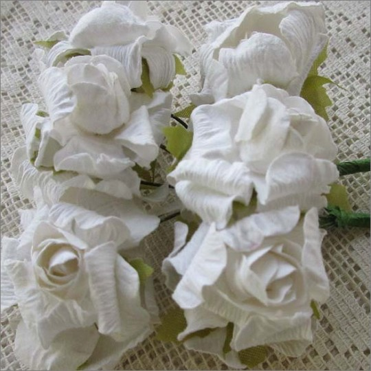 12 Paper Crinkle Roses in White