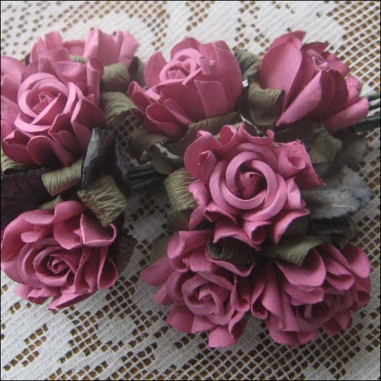 10 Dusty Rose Paper Country Roses