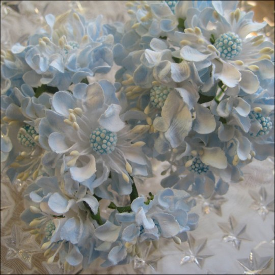 12 Blue Mix Open Daisies Paper Flowers