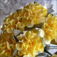 12 Yellow Paper Ruffled Pom Poms