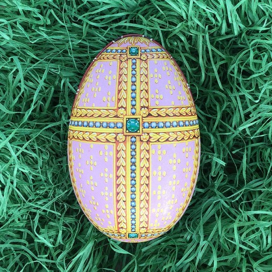 "Pastel Regal Faberge Egg Metal Easter Tin ~ 4-1/4"" tall ~ Old Store Stock"
