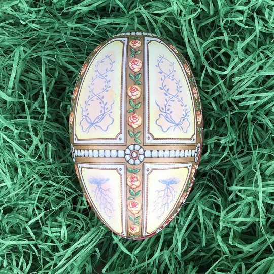 "Pastel Rose Garland Faberge Egg Metal Easter Tin ~ 4-1/4"" tall ~ Old Store Stock"