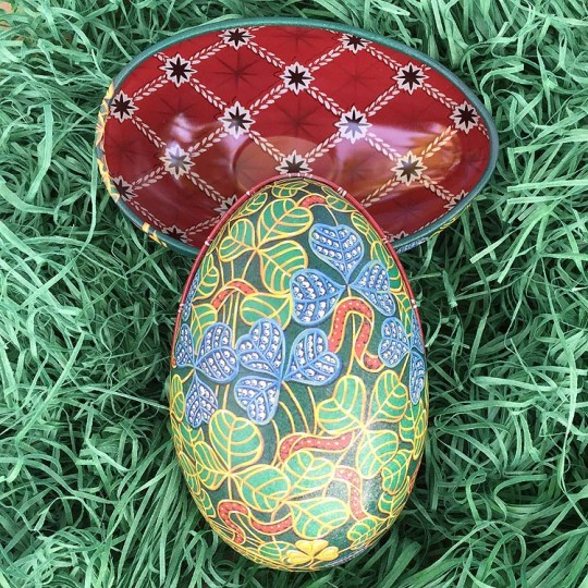 "Fancy Clover Faberge Egg Metal Easter Tin ~ 4-1/4"" tall ~ Old Store Stock"
