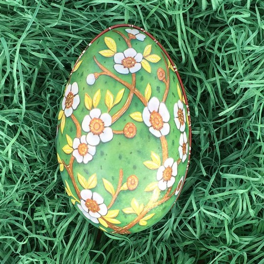 "Flowers on Green Faberge Egg Metal Easter Tin ~ 4-1/4"" tall ~ Old Store Stock"