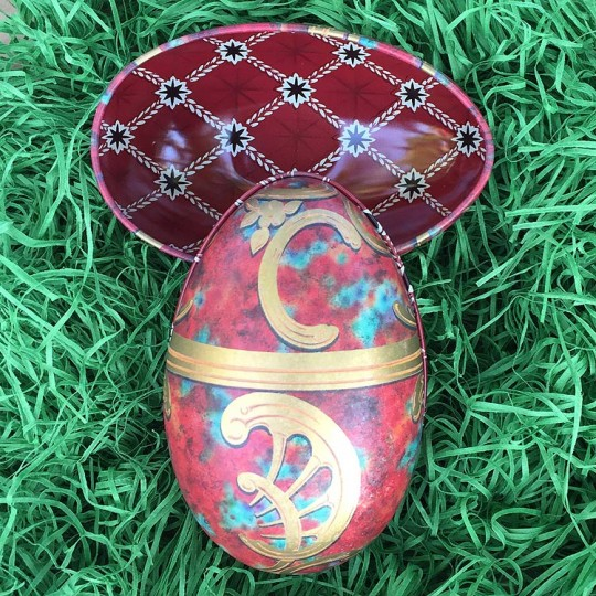 "Red Scrolls Faberge Egg Metal Easter Tin ~ 4-1/4"" tall ~ Old Store Stock"