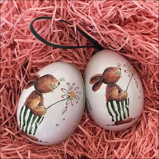 "Bunny with Daisy Metal Easter Egg Ornament Tin ~ 2-1/2"" tall"