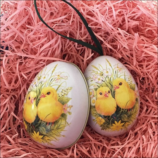 "Chicks and Flowers Metal Easter Egg Ornament Tin ~ 2-1/2"" tall"