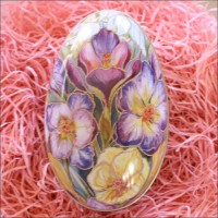 "Purple Crocus Metal Easter Egg Tin ~ 4-1/4"" tall"