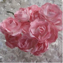12 Paper Sweetheart Roses in Pink