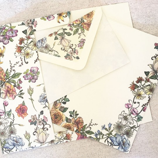 Italian Stationery Letter Writing Set in Portfolio ~ 10 sheets + 10 envelopes ~ Mixed Flowers