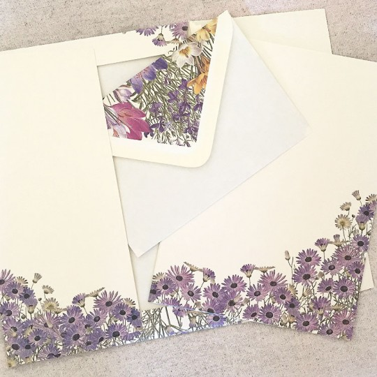 Italian Stationery Letter Writing Set in Portfolio ~ 10 sheets + 10 envelopes ~ Purple Daisies