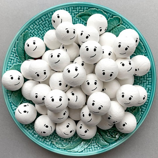 """3 Medium Spun Cotton Snowman or Ghost Heads with Side Smile 1"""""""