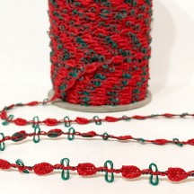 Old Store Stock Rosebud Trim in Red & Green