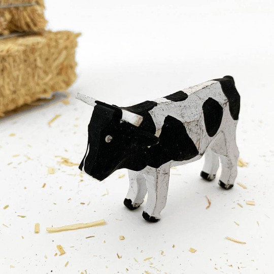 """Vintage Handpainted Wooden Cow ~ 1-1/2"""" ~ Made in Erzgebirge Germany ~ Old Store Stock"""