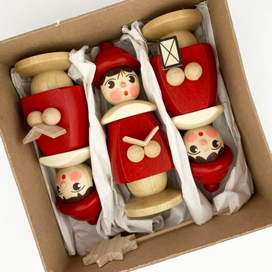 Set of 3 Wooden Carolers in Red ~ Made in Erzgebirge Germany
